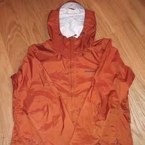 Patagonia raincoat. Sz L